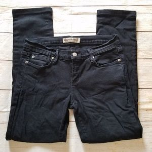 Just USA skinny jeans.  Size 9